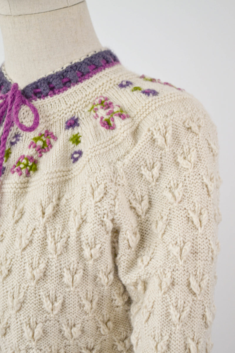 1980s Vintage hand embroidered beige Austrian cardigan - Size S
