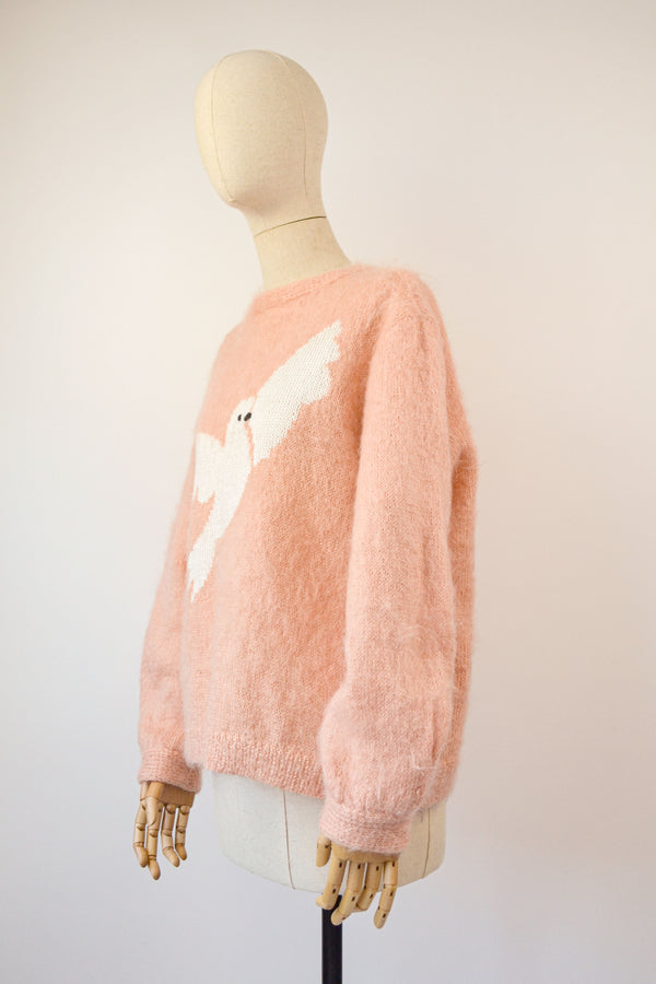 1970s Vintage white bird mohair hand-knit Jumper - Size S/M