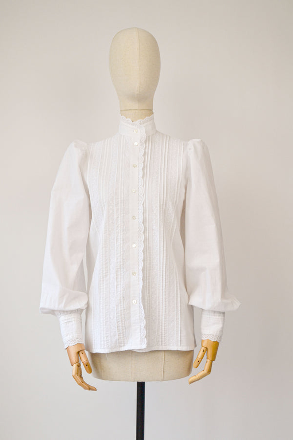 1980s Vintage victorian style blouse from Laura Ashley - Size L