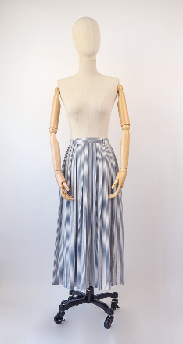 1990s Vintage navy and ivory stripes pleated skirt - Size L