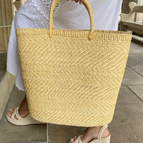 Maxi Lizzie Straw Bag