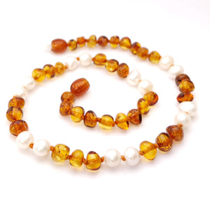 Momma Goose - Baby Necklace Baltic Cognac Amber & Pearls|| Queen