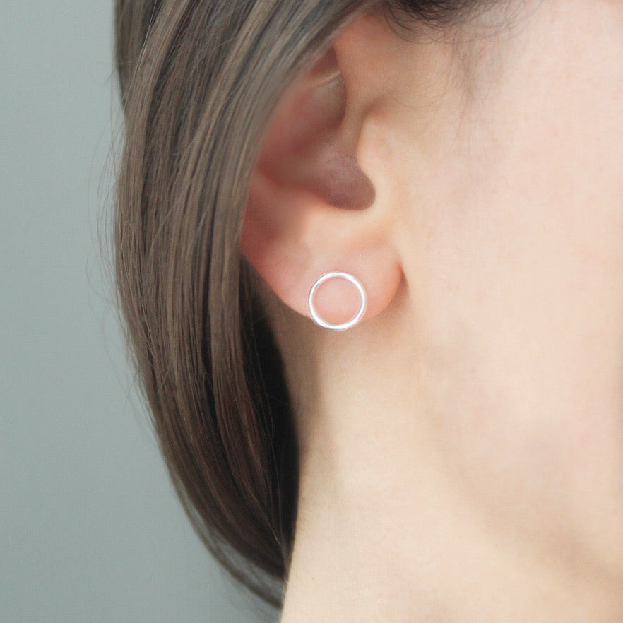 Silver Circle Studs - Evie Atelier