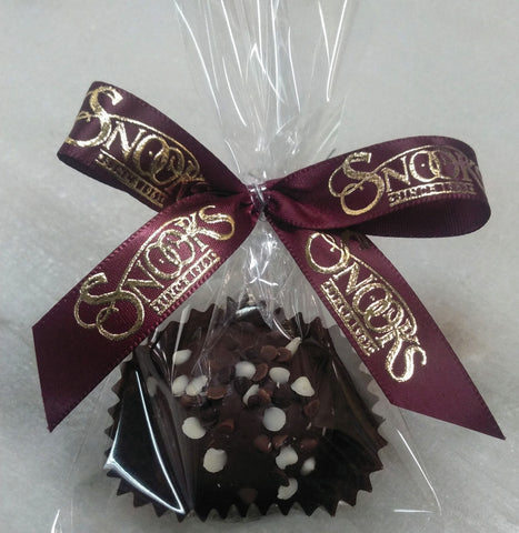 Truffle with clear bag and hand tied Snooks bow