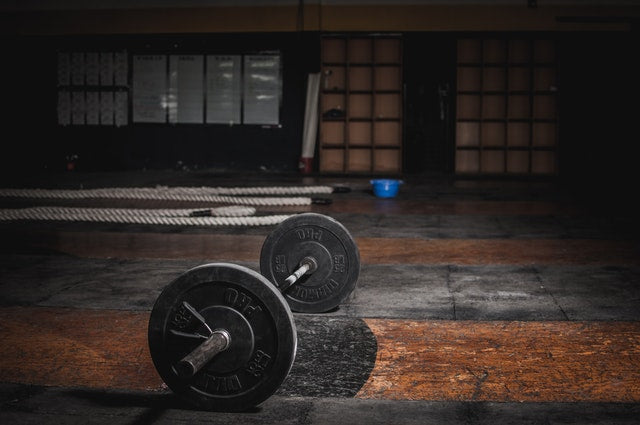 5 Reasons You Should Be Weight Training