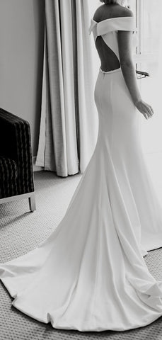 products/Off_Shoulder_Simple_Design_White_Satin_Open_Back_Mermaid_Wedding_Dresses_DB0172-2.jpg