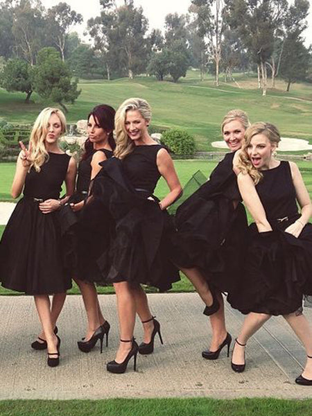 Popular Black Sleeveless Knee Length Bridesmaid Dresses , SW0016