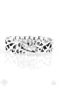 Paparazzi Whimsically Wreathed Silver Ring