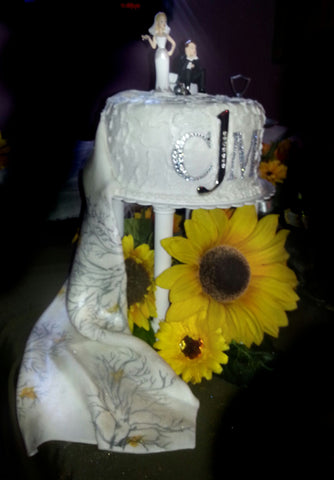 pedestal wedding cake