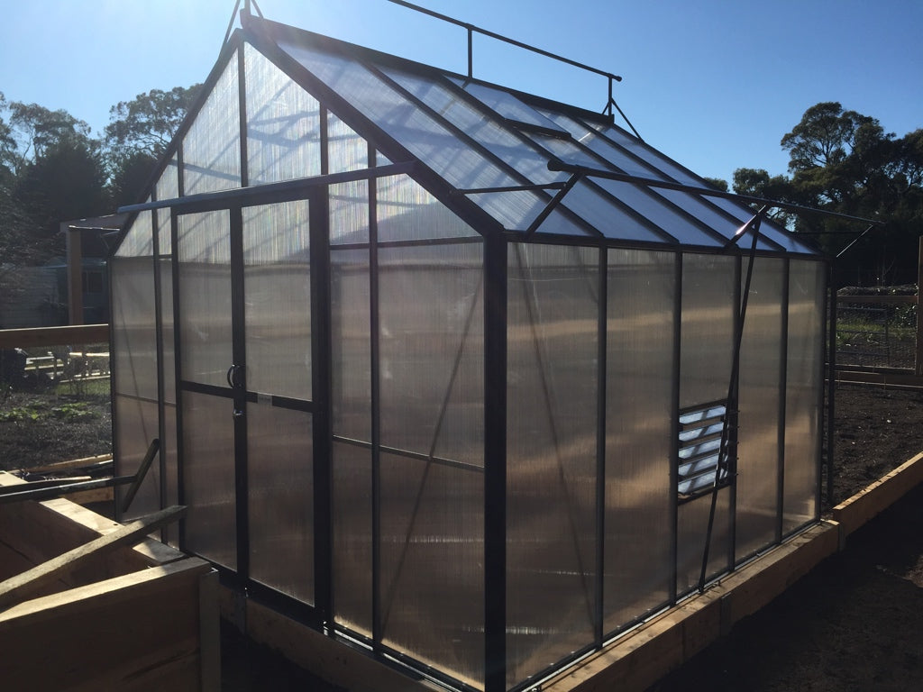 Stately Deluxe 5700 Greenhouse- 5.7Lx3.4Wx2.8Hm (18.9x11x9.2ft)