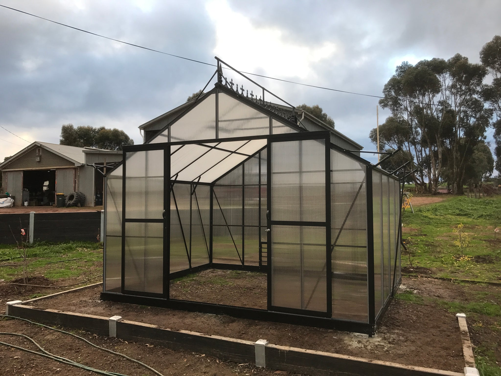 Grow-Fresh Greenhouses Windsor Royale 3000 (Black)