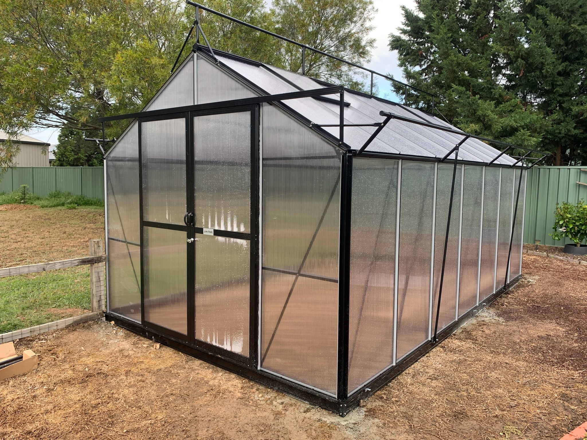 Grow-Fresh Greenhouses Windsor Junior 5200 (Black)