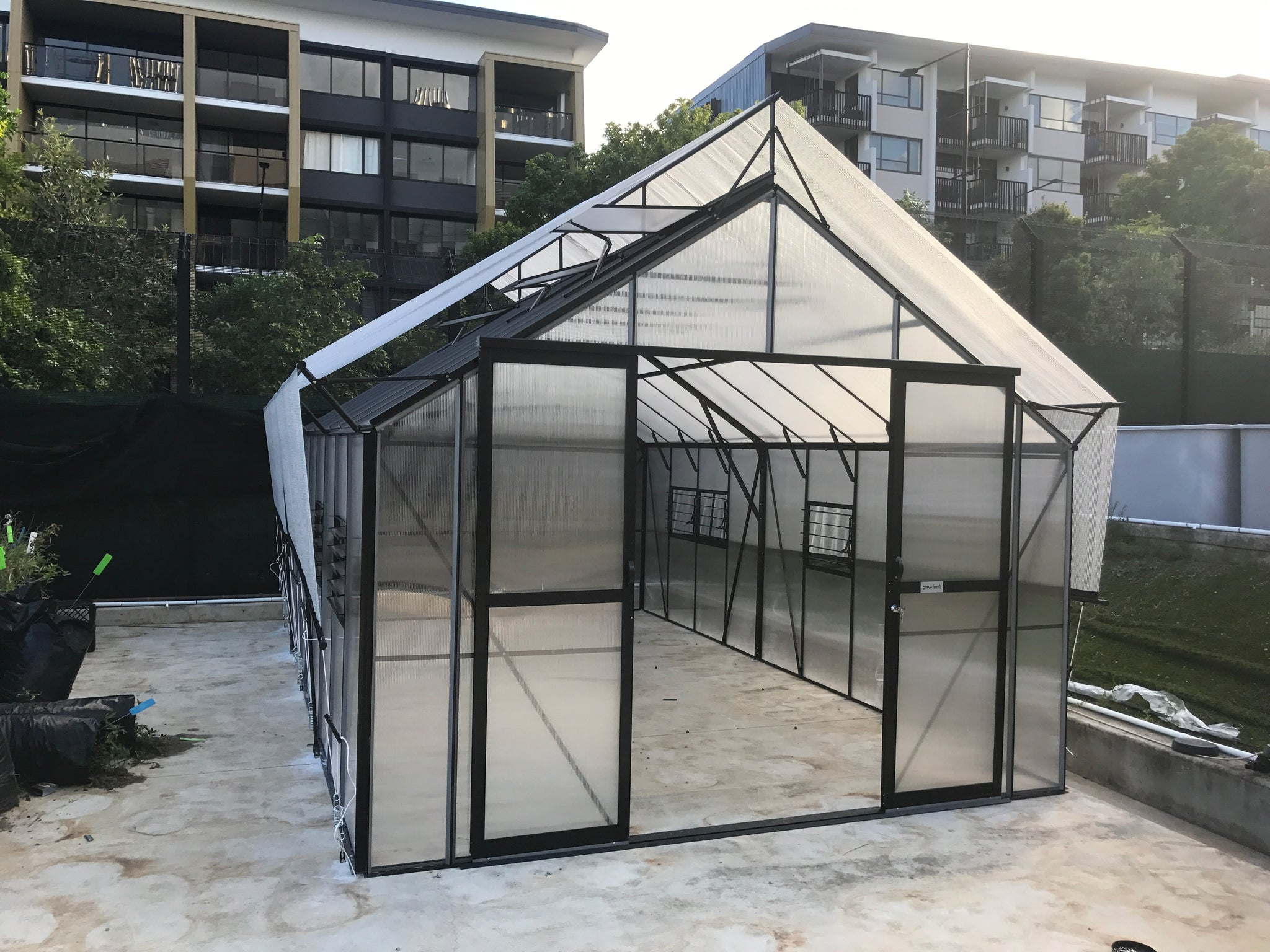Grow-Fresh Greenhouses Stately Deluxe 5700 (Black)