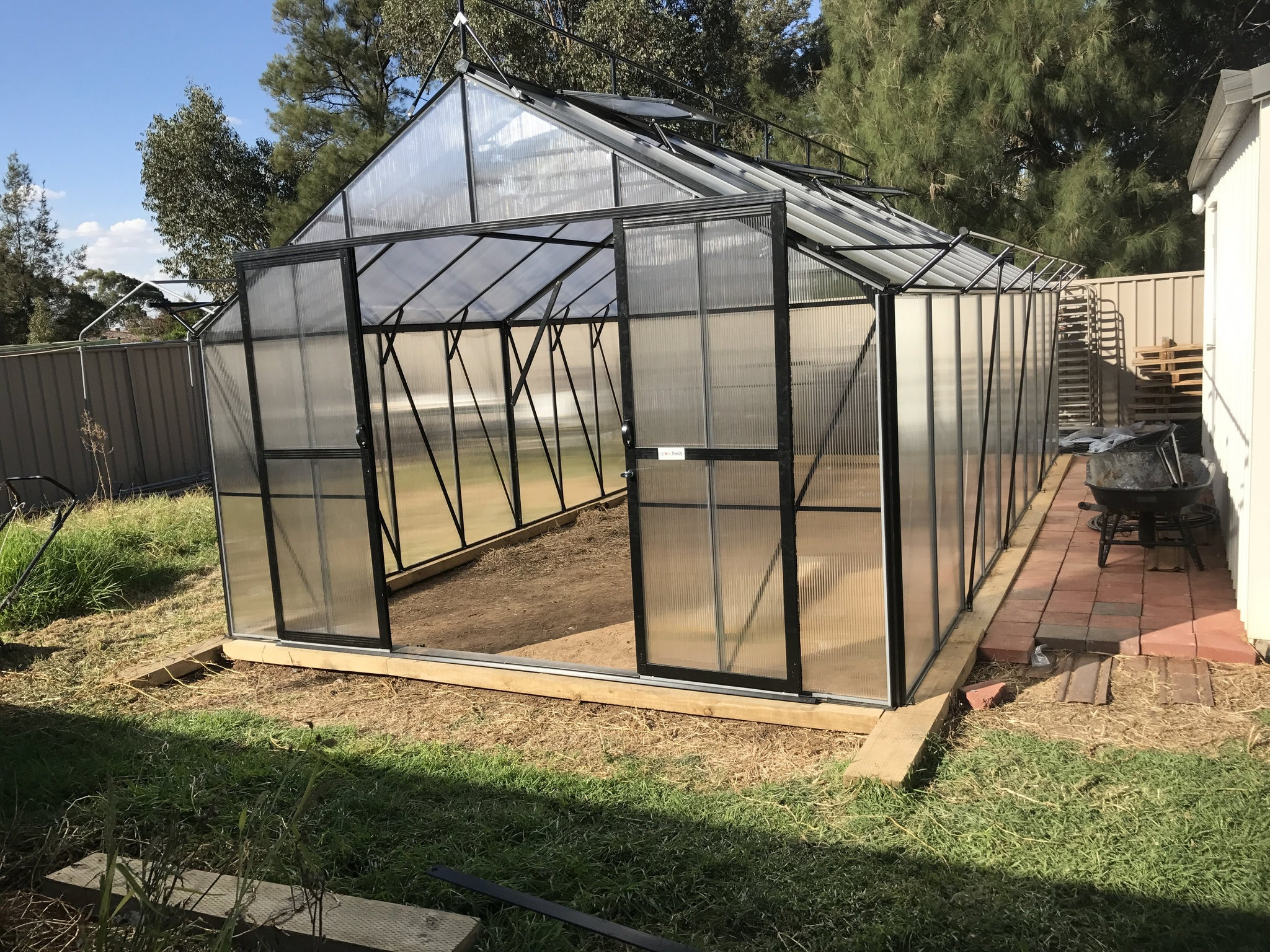 Grow-Fresh Greenhouses Windsor Royale 9500 (Black)