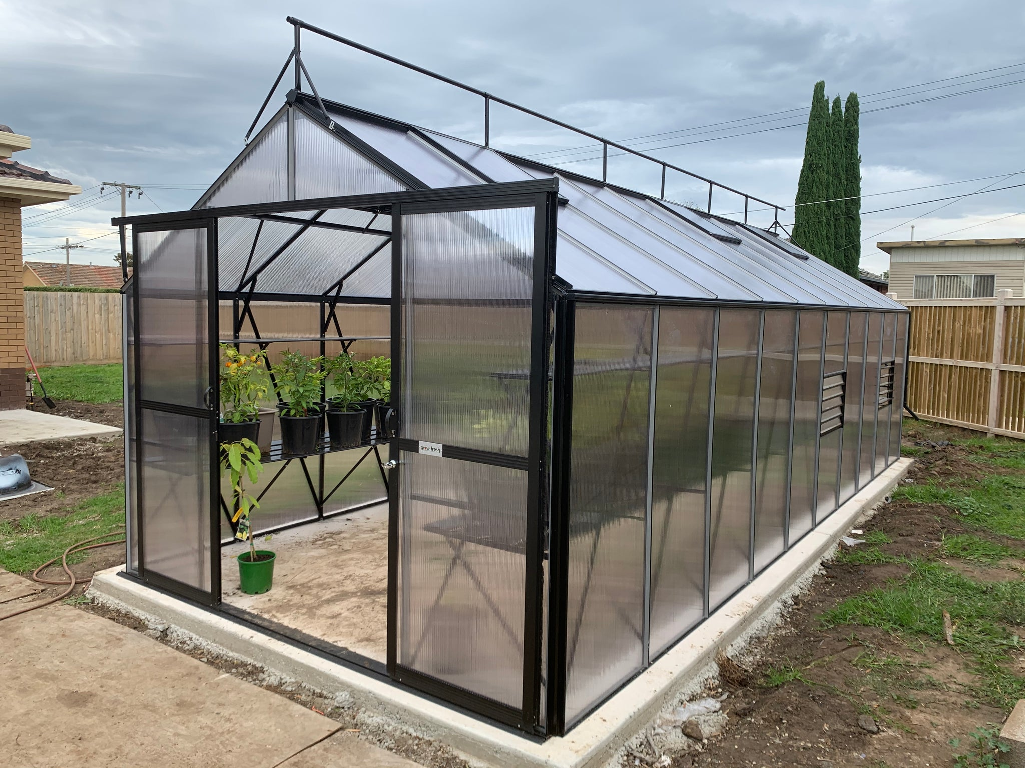 Grow-Fresh Greenhouses Windsor Junior 7300 (Black)