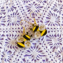 Load image into Gallery viewer, Bee Buddies Earrings Set
