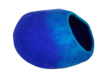 Load image into Gallery viewer, Handmade 100% Natural Wool Cat Cave - Blue