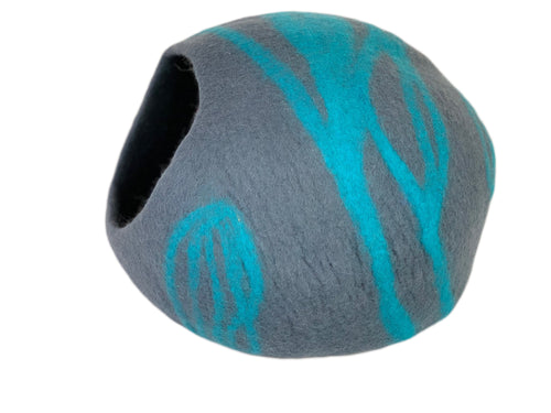Hand Made 100% Natural Wool Cat Cave - Grey & Blue