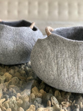 Load image into Gallery viewer, Large or Large Handmade 100% Natural Wool Basket Bed - Grey with a natural hemp rope handles