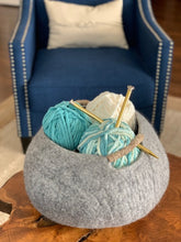 Load image into Gallery viewer, Large Handmade 100% Natural Wool Basket  - Grey with a natural hemp rope handles