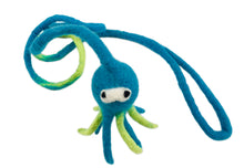 Load image into Gallery viewer, Octavius Interactive Wool Squid Cat Toy