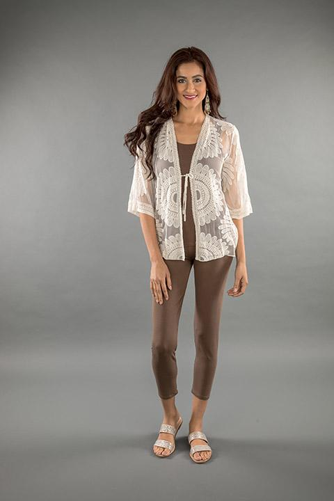LACE APPAREL-OFF WHITE CARDIGAN SHORT 219038