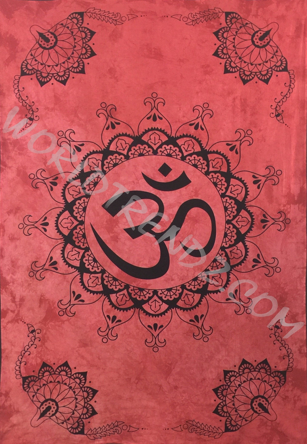 OM LOTUS Lotus CORNERS DESIGN TAPESTRY RED