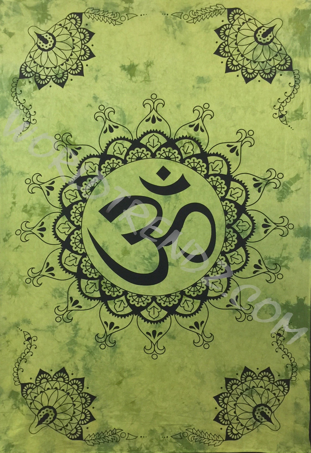 OM LOTUS Lotus CORNERS DESIGN TAPESTRY GREEN