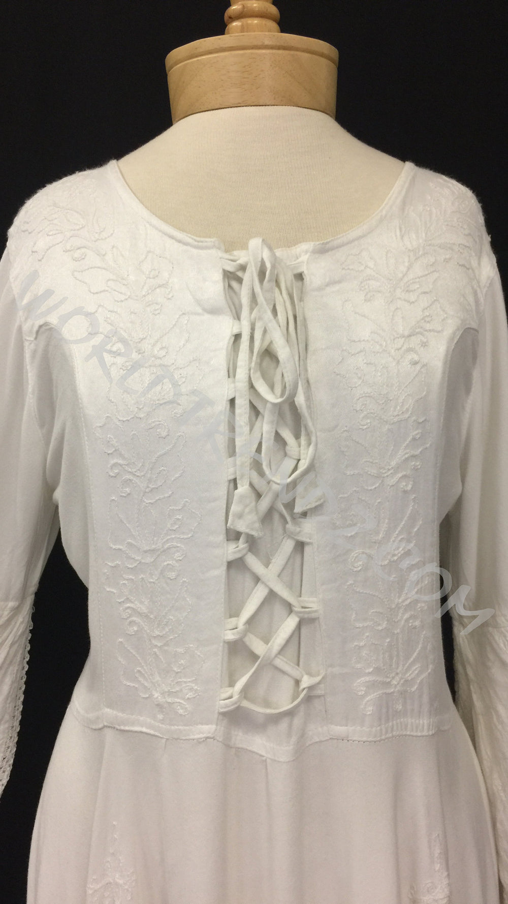 LACE-UP MEDIEVAL STYLE DRESS MAXI LENGTH WHITE FRONT DETAIL
