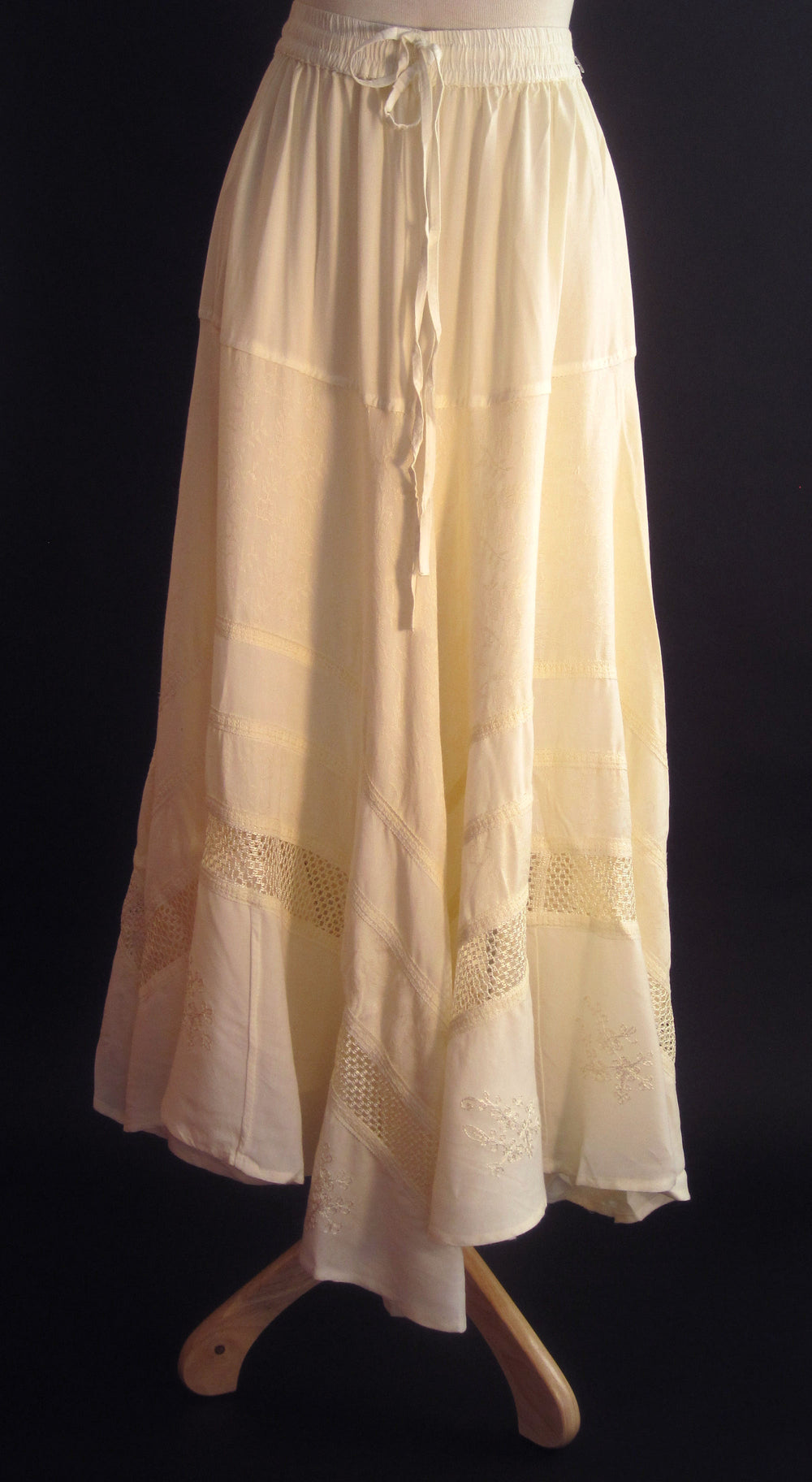 SOLID RAYON FLAIR SKIRT OFF WHITE