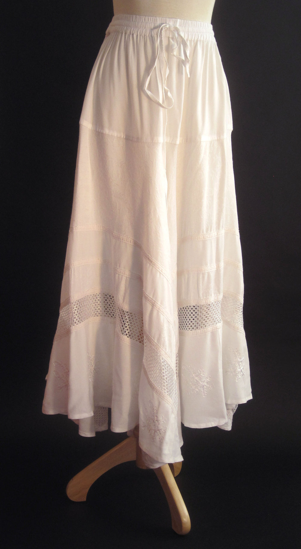 SOLID RAYON FLAIR SKIRT WHITE