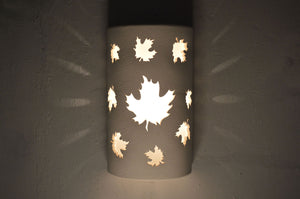 rustic-lodge-maple leaves-white-indoor-outdoor