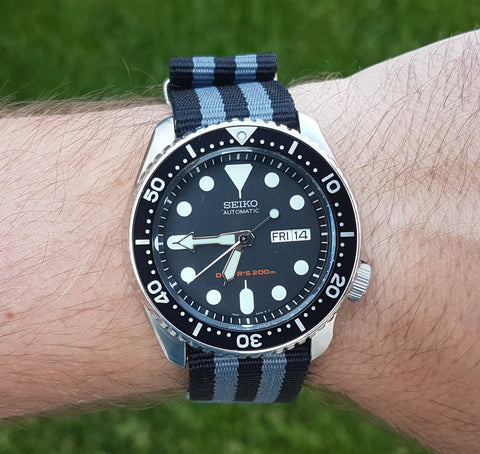 SKX007 on a 22mm Black and Grey Nato from Watch Off The Cuff