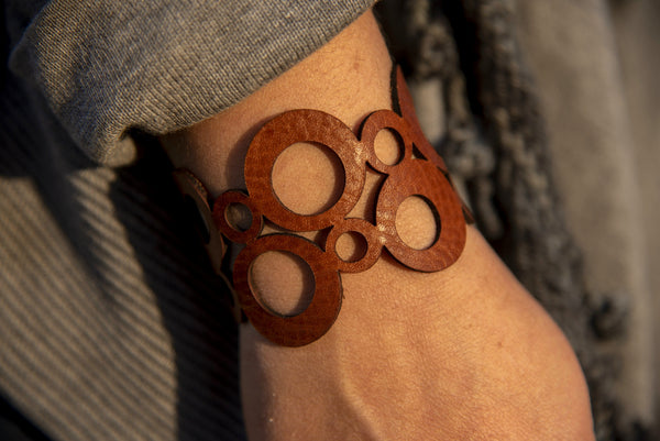 Mid Cen Mod Circle Leather Bracelet