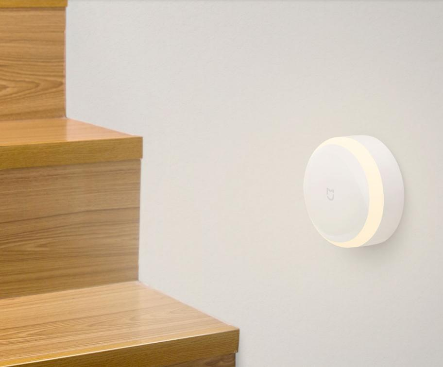 Warm White Battery-Powered Smart Induction LED Night Light with Strong Stickability 3M  Adhesive Tape
