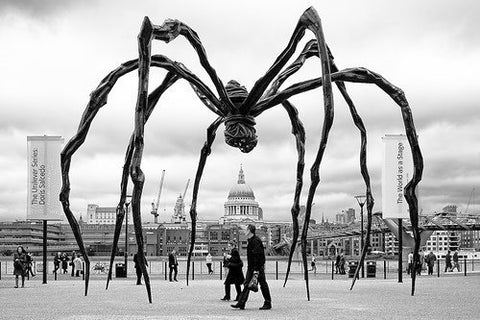 Louise Bourgeois Maman sculpture