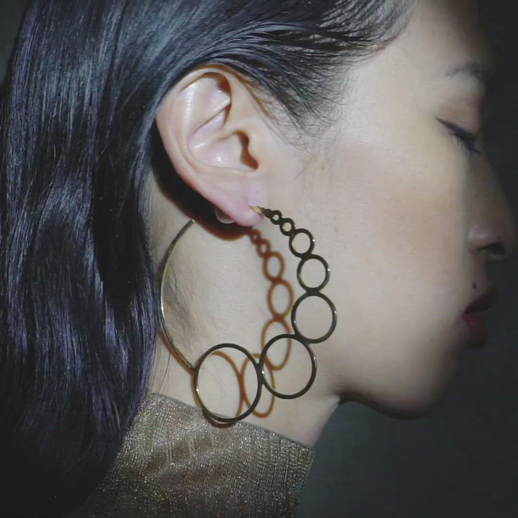 Gold Bubble Hoop Earrings | 18kt Gold Vermeil | Motley x Sian Evans | Video Shot 1