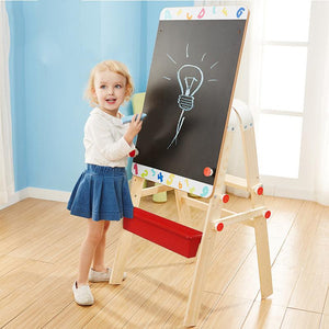 The children's favorite drawing board .A drawing board high enough to grow up with children