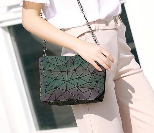 The Most Stylish Bag For Women--Chain