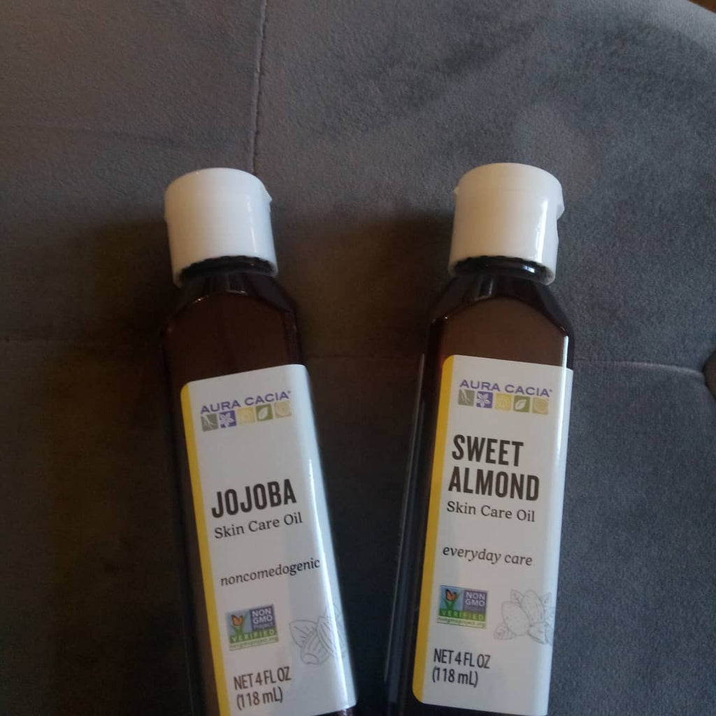 Jojoba Oil and Sweet Almond Oil