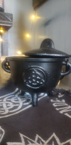 Large Cauldrons with Lids