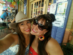 Chica Beauty Sisters Cousins Mijas