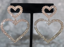 Load image into Gallery viewer, Heart Throb Earrings