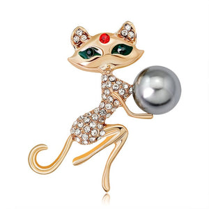 Holding Ball Cat Brooch - KittyCatPurrfect
