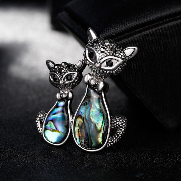 Double Cat Shell Brooch - KittyCatPurrfect