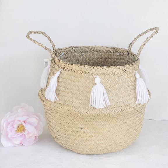 Seagrass basket with white tassels
