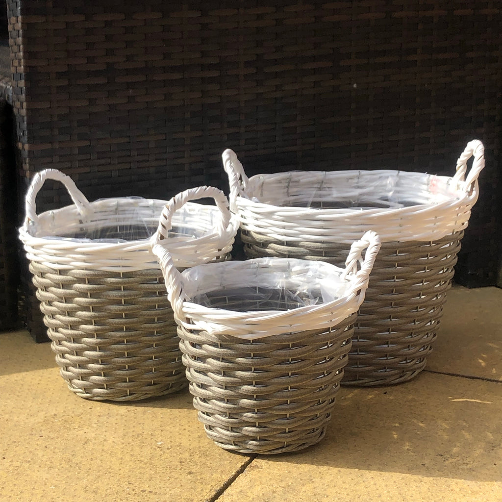 Set of 3 plant pot baskets