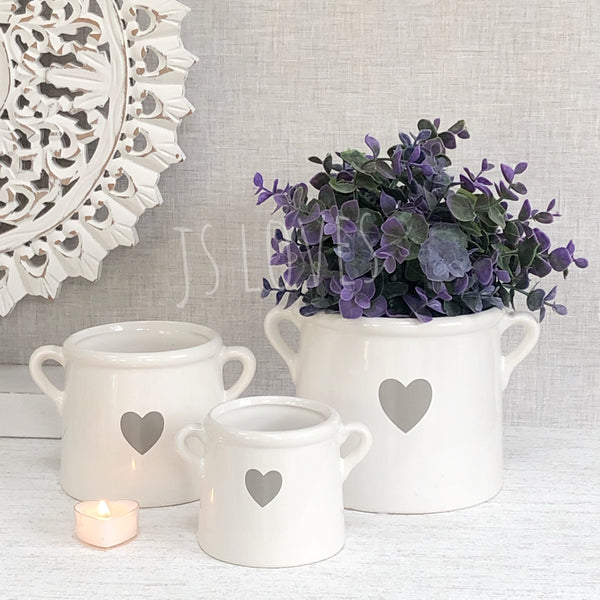White  Pots with heart