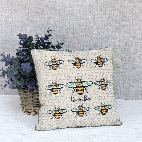 Queen bee cushion square