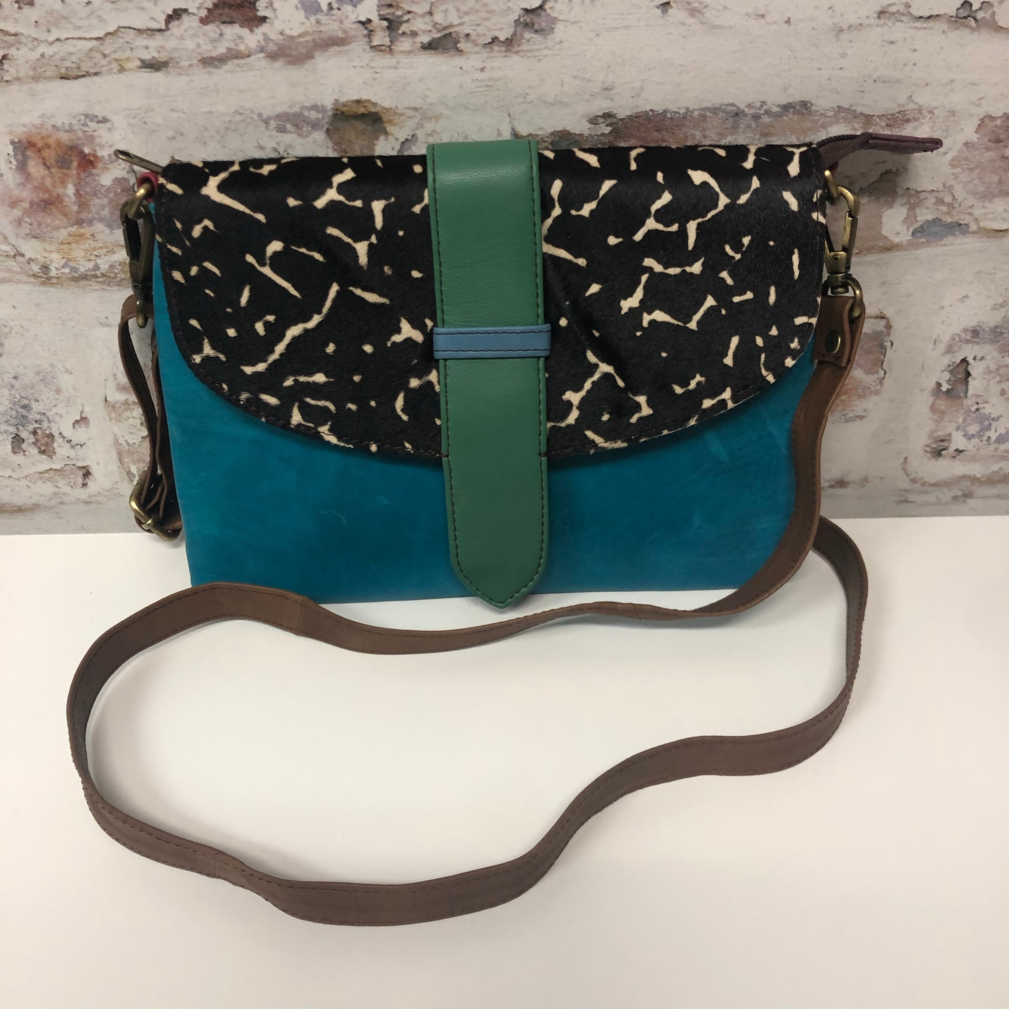 Sutton Leather Crossbody- Turquoise/Black